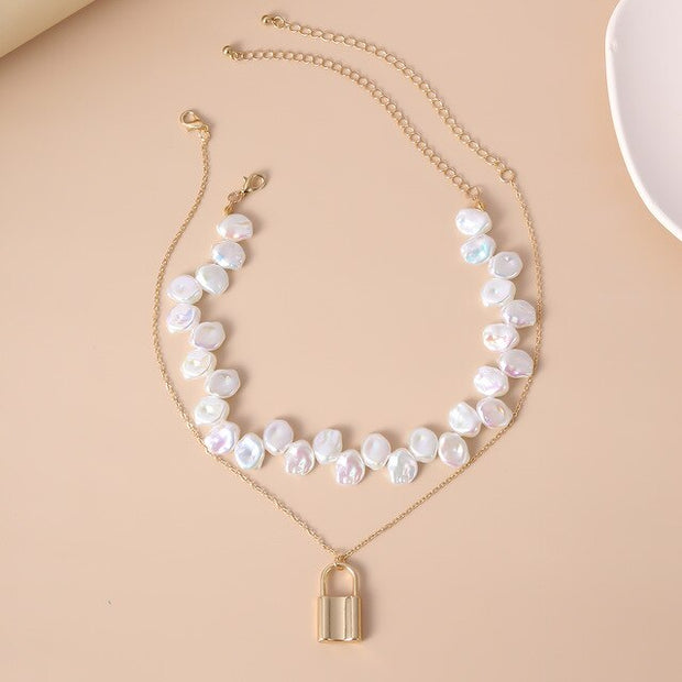 Lock Pearl Choker Necklace