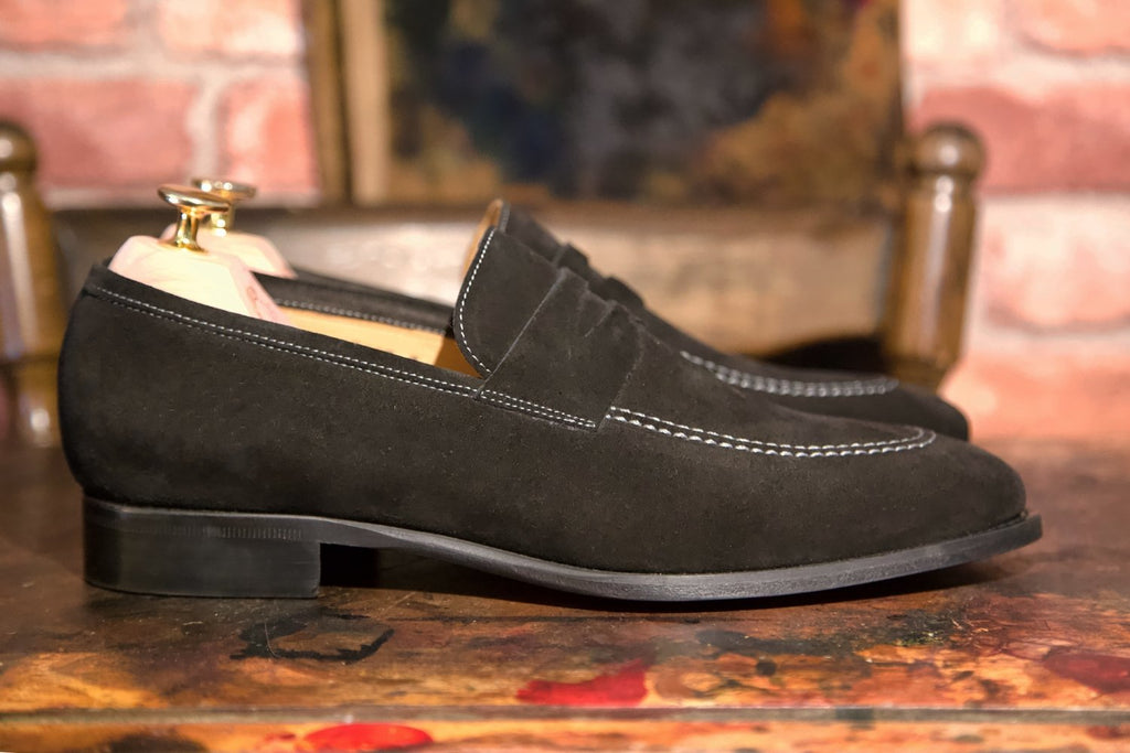 Mr. Hereford: Noir Suede