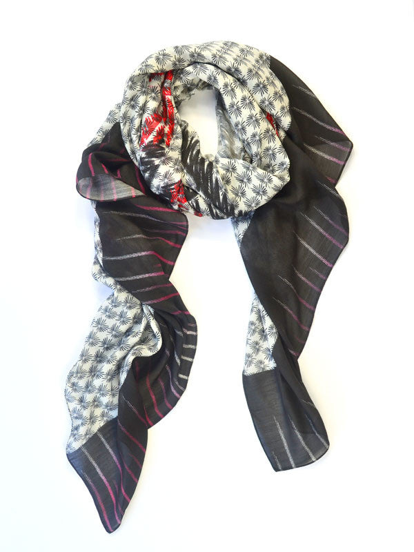 Black and White Ladies Wrap