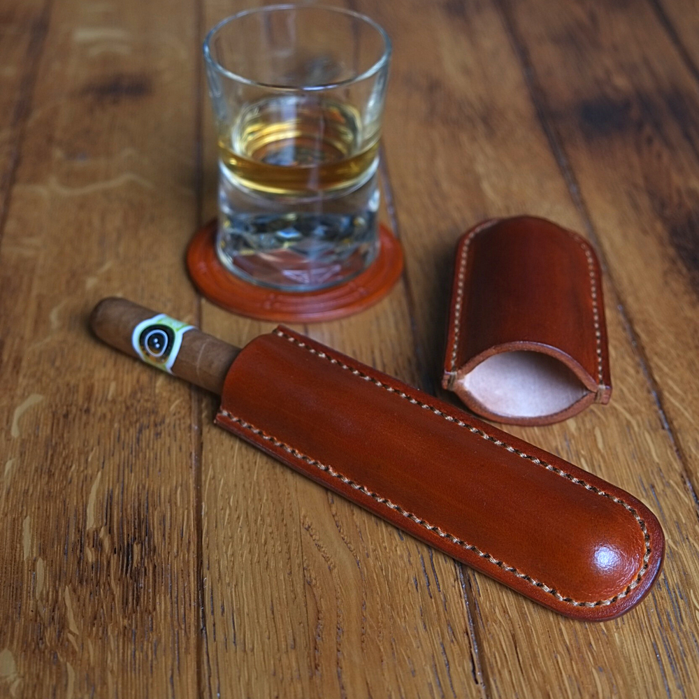 One cigar leather case