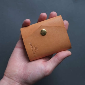 small leather wallet for daily use