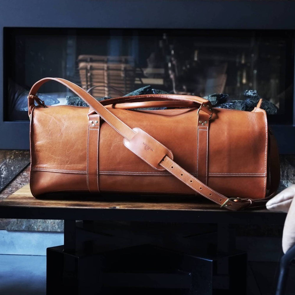 Load image into Gallery viewer, handmade leather duffel travel bag