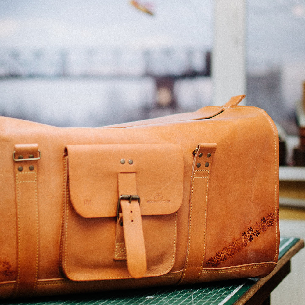 Load image into Gallery viewer, brown leather bag