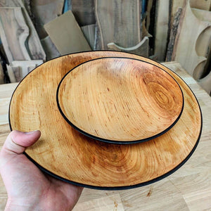 Set of 2 wooden plates