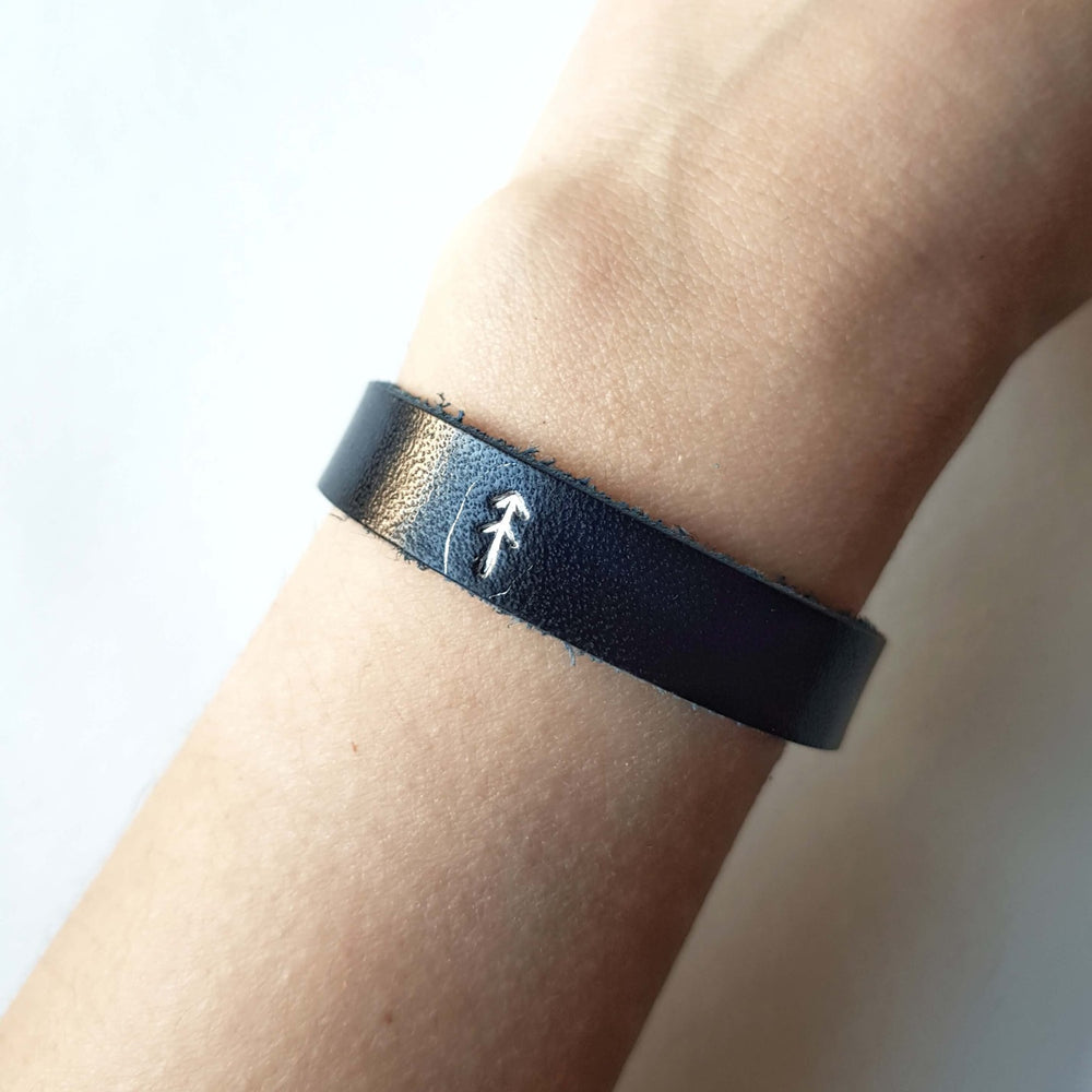 Load image into Gallery viewer, black single wrap wristband