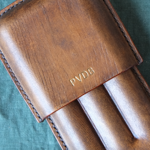 Load image into Gallery viewer, Molded Leather Cigar Case Father's Gift