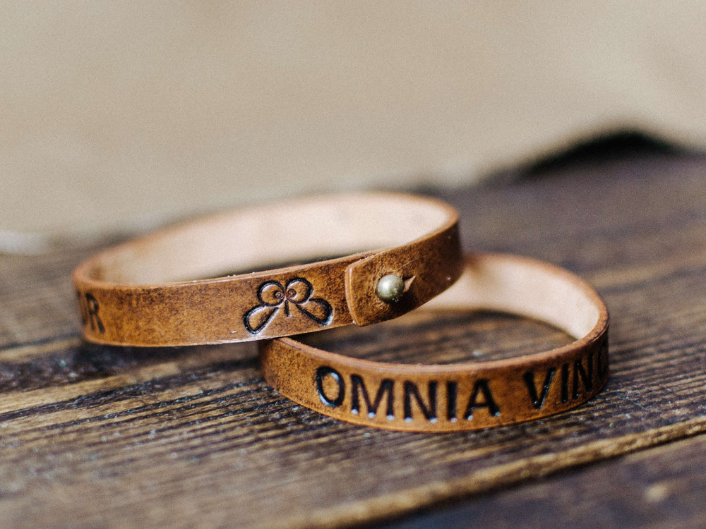 Load image into Gallery viewer, custom name leather wristband