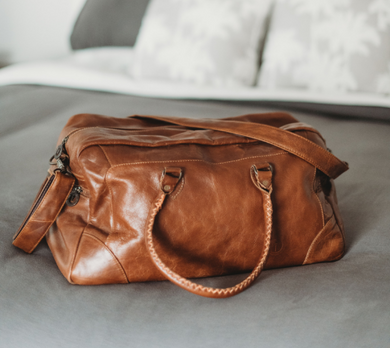 CLASSIC DUFFLE - LEATHER LUGGAGE BAG - JJs Newsagency plus