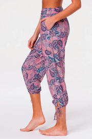 Onzie Women's Pants Onzie, Women's Vagabond Pants (Tropical Paisley)