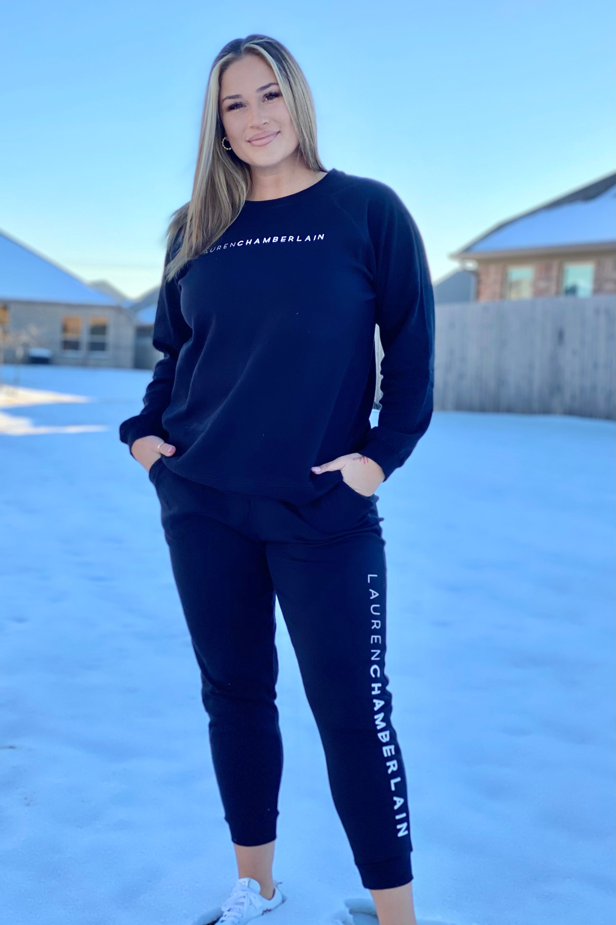 Signature Series Pullover x Sweatpant Set