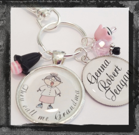 Grandma Gift - Personalized with her name and Grandkids -Keyring