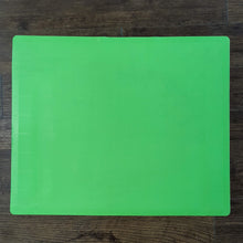 Load image into Gallery viewer, BRISSCOES - Green Silicone Baking Mat With Measurement Indicators