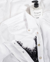 Laden Sie das Bild in den Galerie-Viewer, some kind of Men's Shirt, bright white