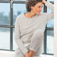 Laden Sie das Bild in den Galerie-Viewer, slim-fit Jog Pant, light grey Melange