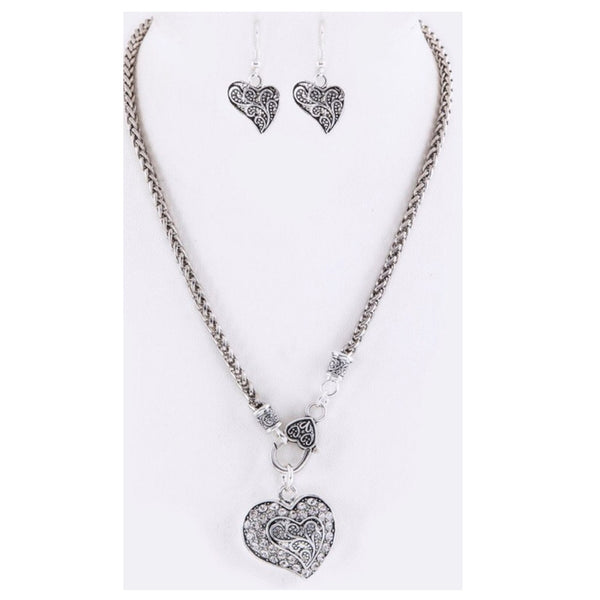 Sale! Stunning Crystal Swirl Heart Pendant Necklace Set