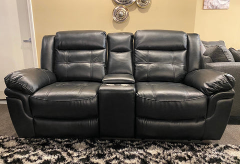UXW5700M Reclining Loveseat w/ Console