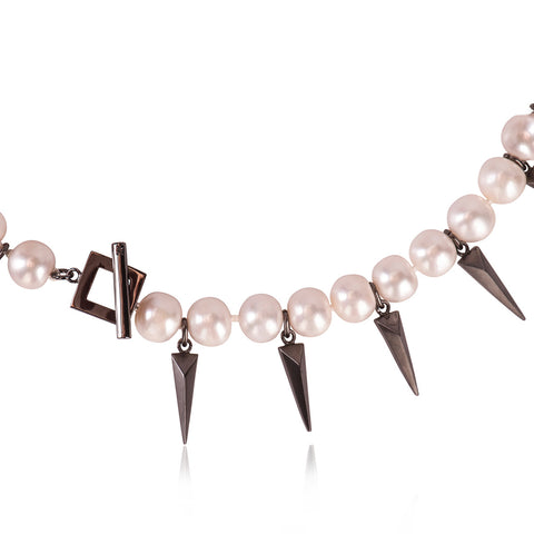 JACKIE DIE PUNK PEARL NECKLACE
