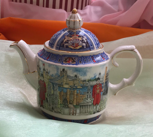 Teapot - English Heritage Collection -4143