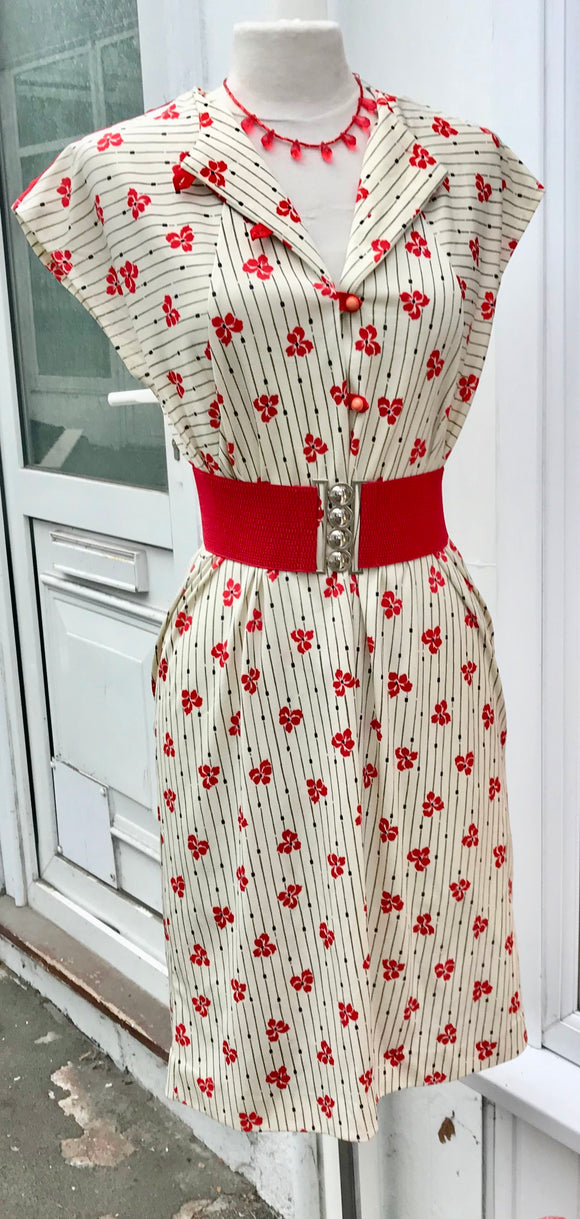 Dress - Cream & Red. Vintage 80's / 90's - 7087