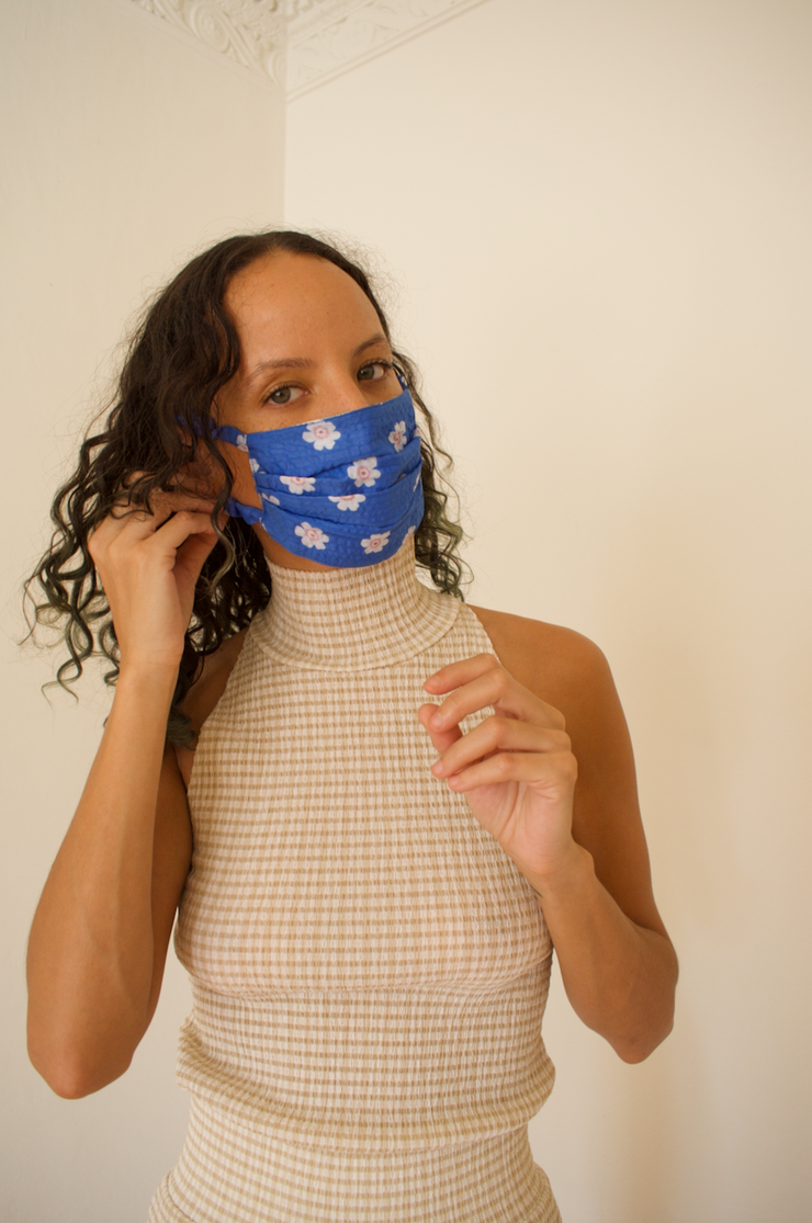 Reversible Face Mask in Woven Plaid & Lykke Floral Print