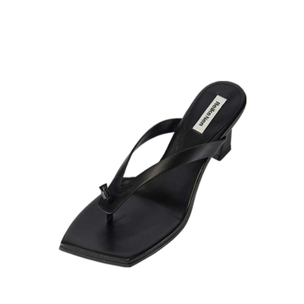 Flip Flop Heel in Black