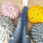 ROUND CHUNKY KNIT CUSHION