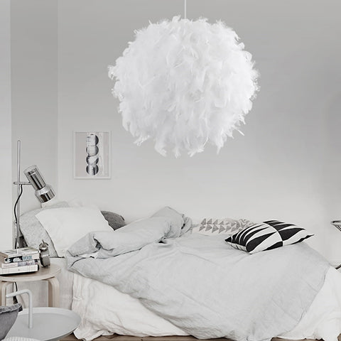 WHITE FEATHER LAMPSHADE