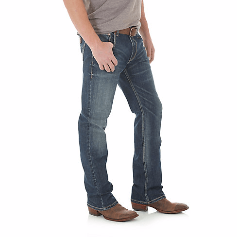 Wrangler Men's Layton Retro Bootcut Jean - Slim Fit ME.AP.JEANSLIM CUT VF JEANSWEAR, INC.