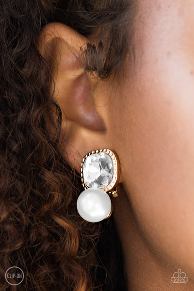 Paparazzi Accessories - Gatsby Gleam - Gold Earring - JMJ Jewelry Collection