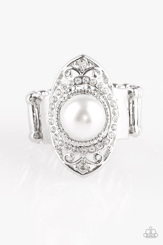 Paparazzi Accessories - Pearl Posh - White Ring - JMJ Jewelry Collection