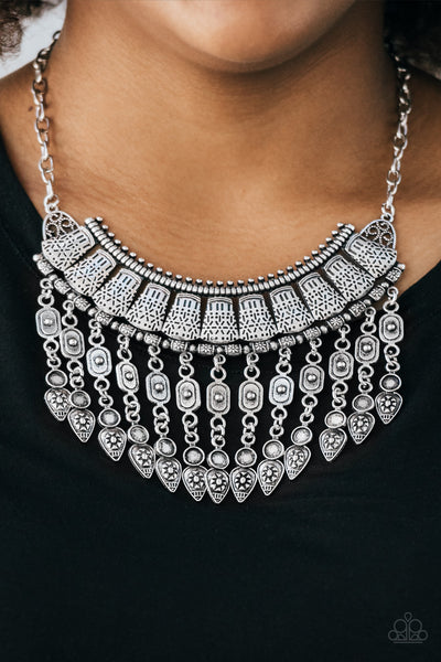 Paparazzi Accessories - The Desert Is Calling - Silver Necklace Set - JMJ Jewelry Collection