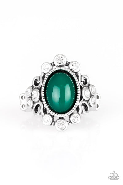 Paparazzi Accessories - Noticeably Notable - Green Ring