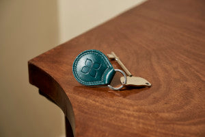 RADAR-KEY-WITH-LEATHER-KEY-RING-BLUE-BADGE-CO
