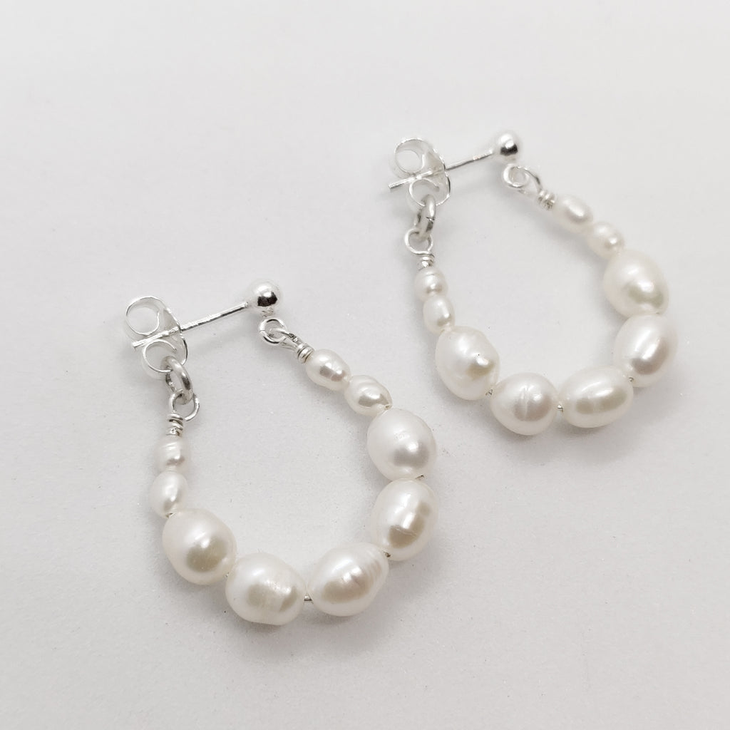 Chloe Graduated Drop Pearl Hoops