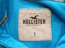 Load image into Gallery viewer, Hollister Embroidered Logo Blue Cuff Short Sleeve Men's Pique Polo Shirt Size S
