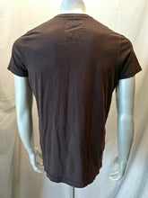 Load image into Gallery viewer, Hollister Brown Embroidered Spell Out Men's Short Sleeve Crew Neck T Shirt Sz L