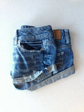 Load image into Gallery viewer, American Eagle Women's Size 0 Low Rise Distressed Denim Blue Jean Short Shorts