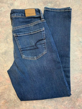 Load image into Gallery viewer, American Eagle Hi-Rise Tomgirl NWT Stretch X Womens 0 Denim Cotton Blend