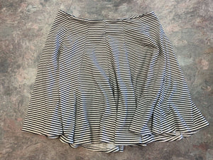 American Eagle Women's Size 0 Skirt White Black Horizontal Pinstripes Zipper