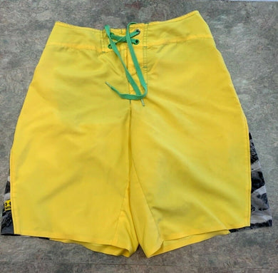 Under Armour MTN Mountain Mens board Shorts 28 Yellow Green drawstring