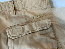 Load image into Gallery viewer, Roots 73 Men's Size 32 Cotton Beige Cargo Style Flat Front Zipper Fly Shorts