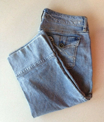 Silver Jeans Women's Size 28 Low Rise Flap Pocket Straight Leg Blue Jean Capri