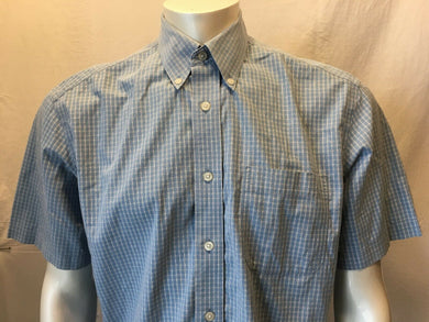 Eddie Bauer Wrinkle Resistant Men's Plaid Button Down Short Sleeve Shirt Size M