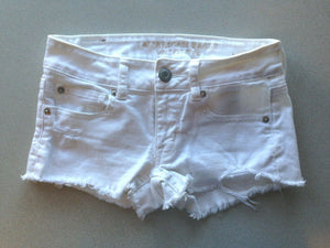 American Eagle Womens Size 00 Low Rise Stretch Distressed White Cut Off Shorties