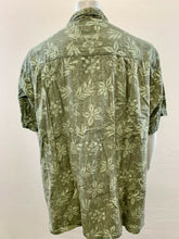 Load image into Gallery viewer, Columbia Mens 4XB Cotton Floral Hawaiian Short Sleeve Button Up Aloha Camp Shirt