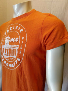 Hollister Pacific Merchants Pier Hunt Men's Orange Embroidered T Shirt Size M