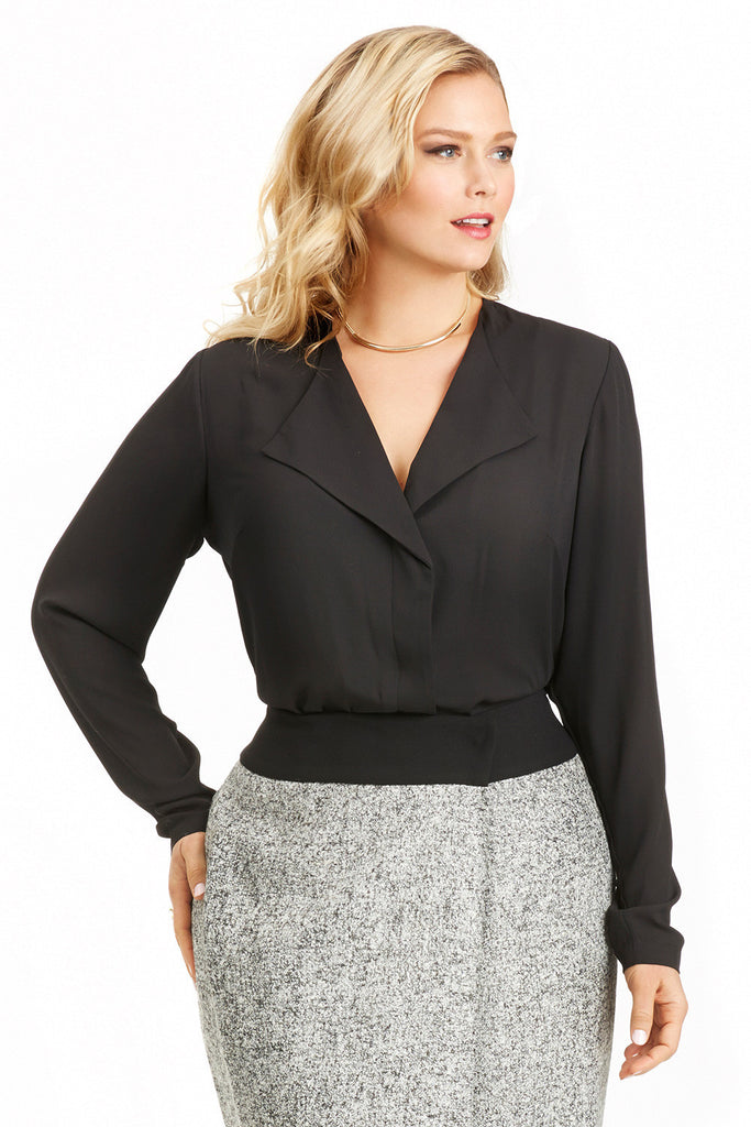 PLUS SIZE OPEN COLLAR BLOUSE IN BLACK