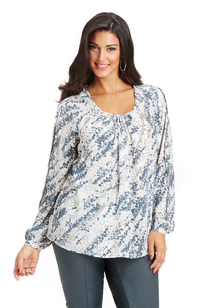 PLUS SIZE RAGLAN BLOUSE IN BLUE ABSTRACT SNAKE