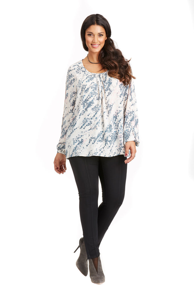 PLUS SIZE RAGLAN BLOUSE IN PINK ABSTRACT SNAKE