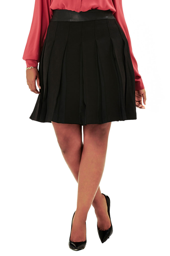 PLUS SIZE BLACK BOX PLEAT SKIRT